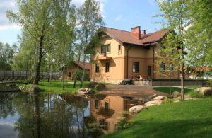 дом на икшинском водохранилище